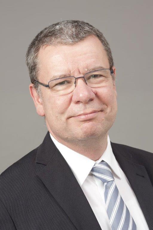 Privatdozent Dr. Wiedemann, Chefarzt der Urologischen Klinik am Ev. Krankenhaus Witten